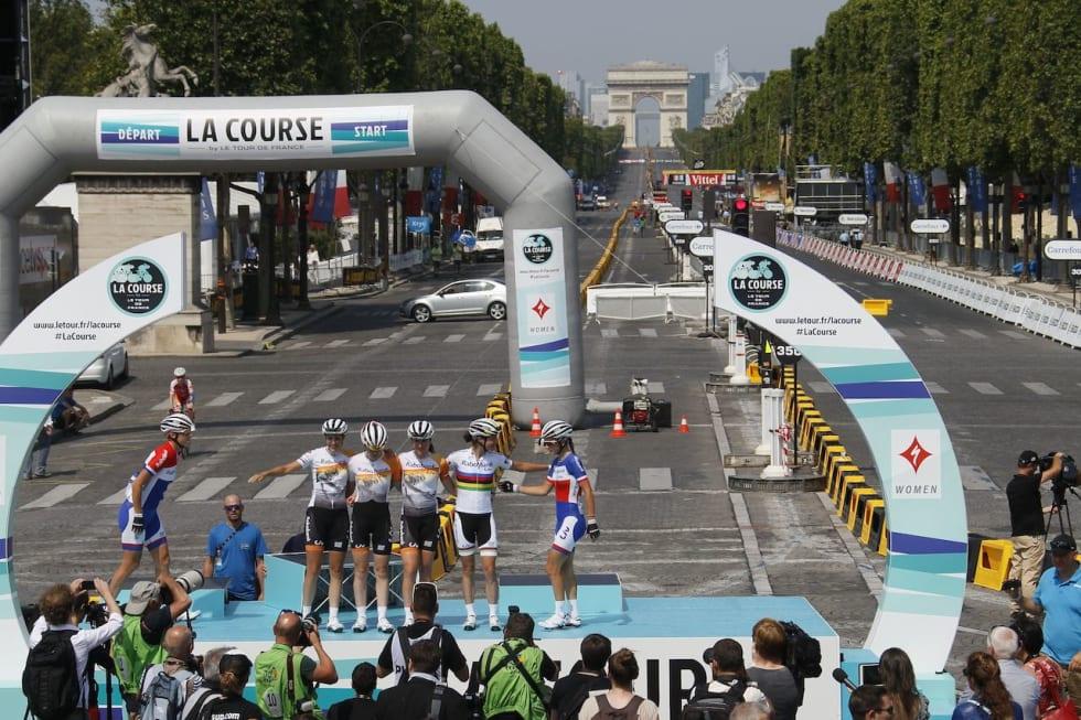 HISTORISK: Rabobank-Liv på podiet etter La Course by Tour de France. Foto: Cor Vos.