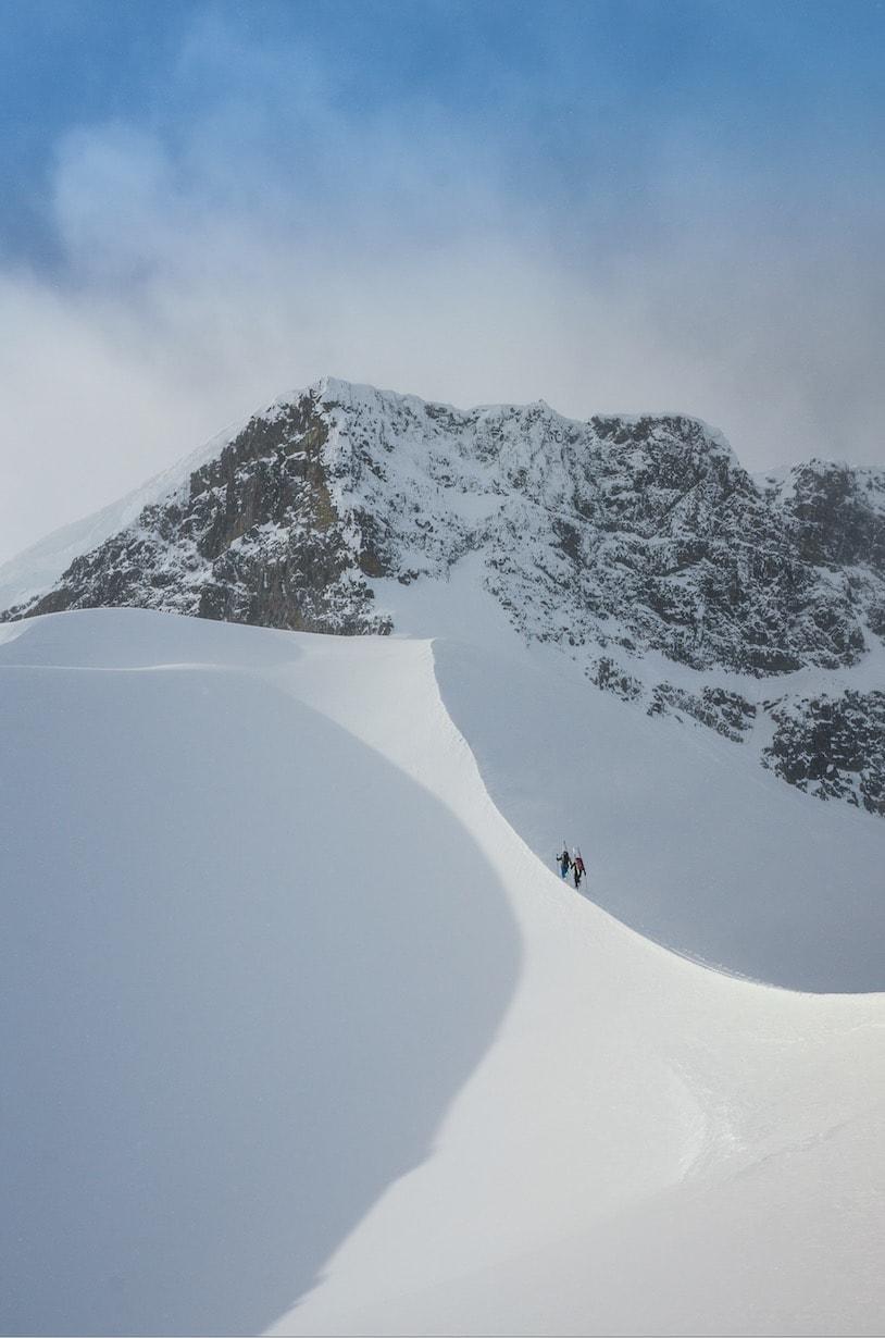 FØLG RYGG: Da får du i alle fall et fint bilde. Til høyre skimtes begynnelsen av traversen opp Østreleden.