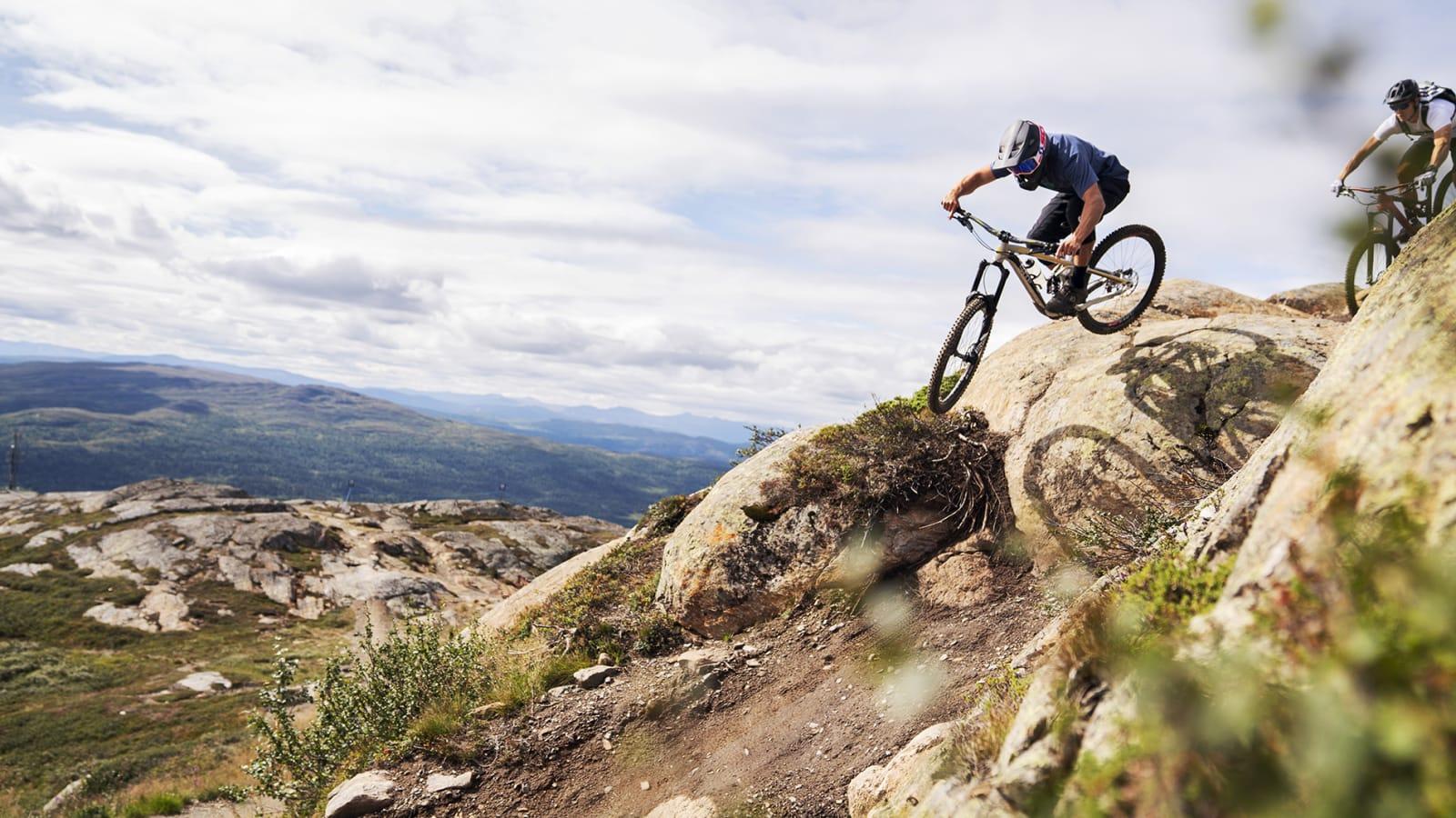 ÅRE: Med sine 50 kilometer fordelt på 35 stier og 853 høydemeter er Åre Skandinavias største sykkeldestinasjon. Stipatruljen til Terrengsykkel fikk guiding av den lokale syklisten Daniel Pettersson.