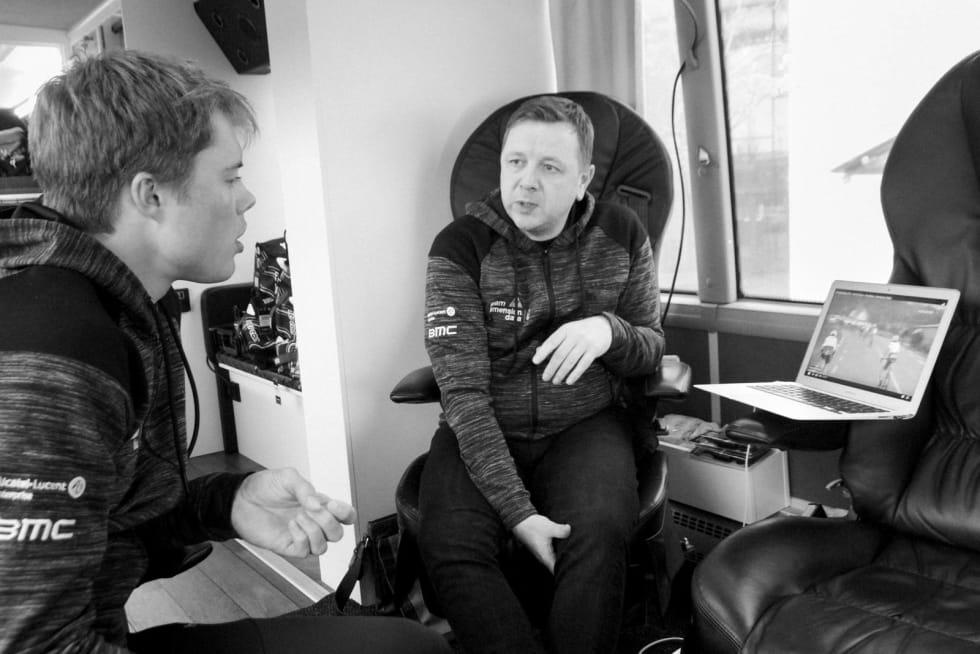 Navigatør: Gino sammen med Rasmus Fossum Tiller, en rytter han mener har feltforståelse på lik linje med de beste. Foto: Simon ZetlitzNessler.