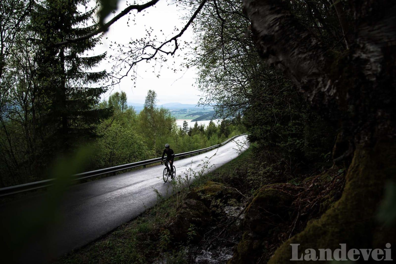 RETT OPP: Klatringen til Kleivstua er en vegg, en del av Oslo-feltet, en lang forkastning som strekker seg helt til Hvaler.
