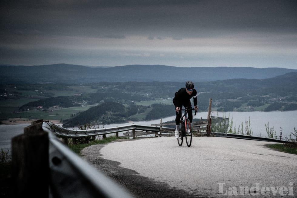 STERK: Mikael gir gass opp den siste delen av klatringen til Kleivstua.