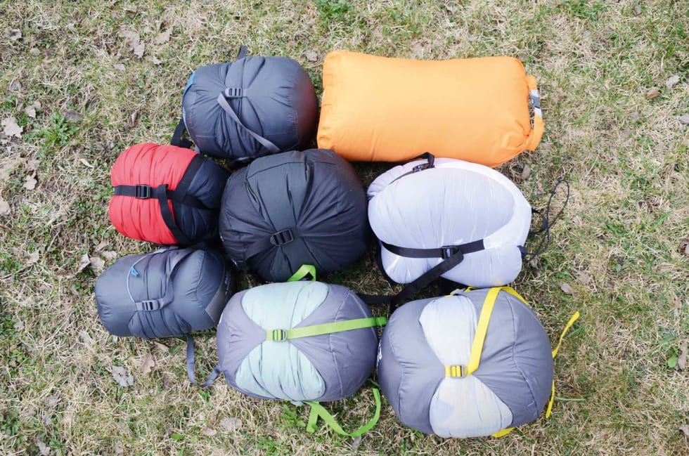 KOMPRIMERT: Øverst f.v: Helsport Rago, Exped Comfort -4. Andre rad f.v: Mammut Compact down 3 sesaon, The North Face Blue Kazoo, Mammut ASP down Winter. Nederst f.v: Helsport Rago Superlight, Thermarest Questar, Thermarest Parsec.