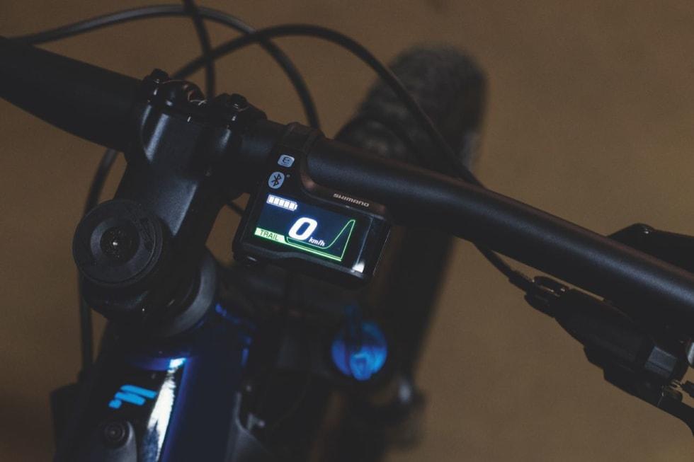 SKJERM: Shimanos eget display gir god oversikt over motornivå, fart og batteri.