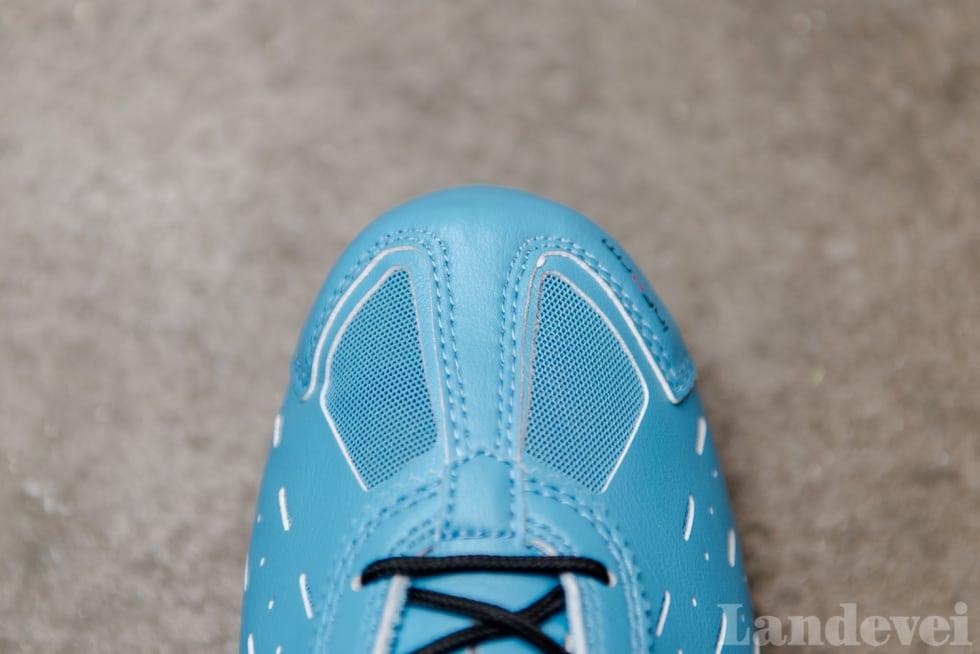 SVALT #2: Classique har to store lufteluker på tåpartiet, i tillegg til at hele skoen har mange små luftehull.