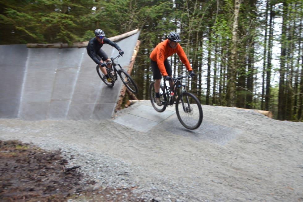 Njå Bike Park Njåveggen 1 Thomas Nærland og Bjørn Kjetil Aanensen - Foto Elisabeth Aanensen 1400x933