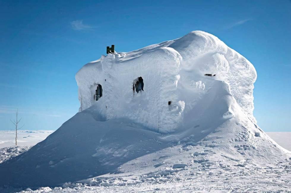 NEDSNØDD: Jøkulhytta (1765 moh.) ligger ved kanten av Hardangerjøkulen og er et fint turmål fra Finse. Foto: Trygve Sunde Kolderup