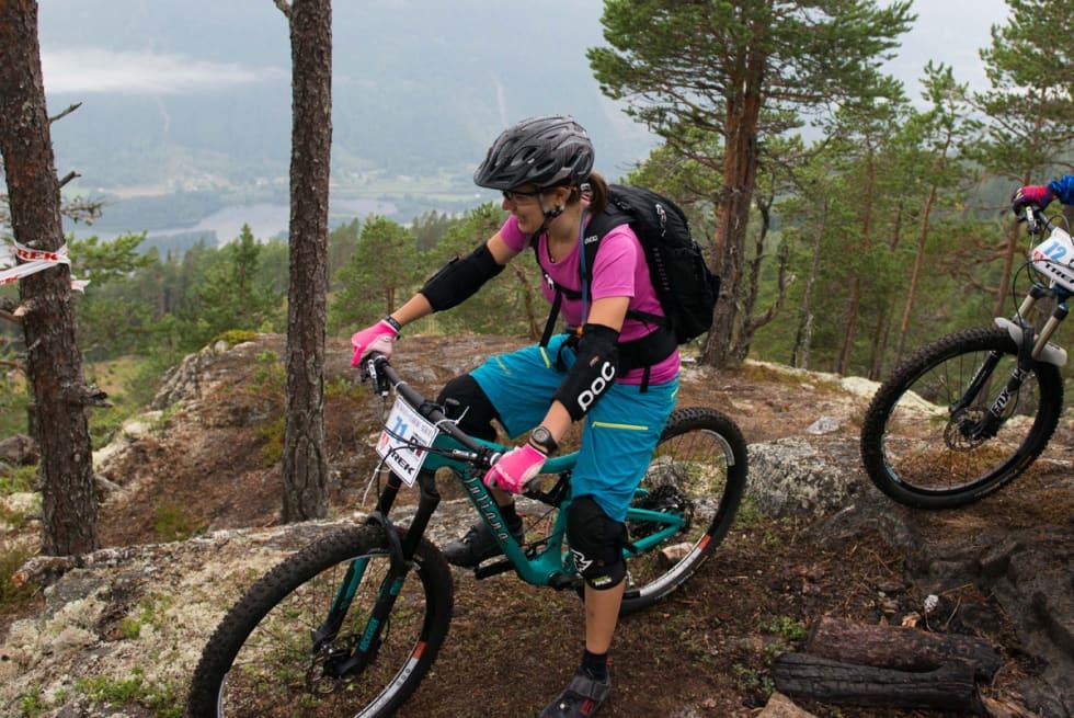 GOD STEMNING: Alle ønsker seg flere jenter på terrengsykler. Her Ragnhild Solheim under Nesbyen Enduro i fjor. Foto: Silje Holmsen.