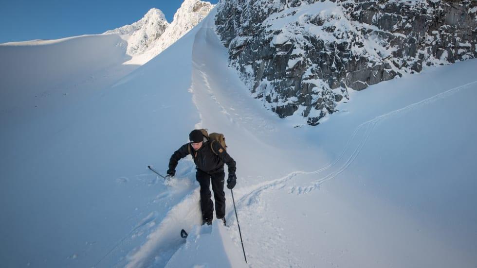 Fra Bjørnaskaret må man 100m ned på Bjørnbrean før siste stigning til Storebjørn