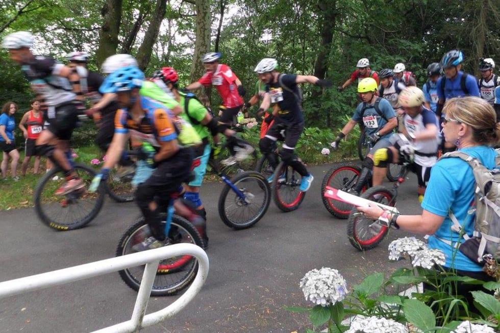 Mountain Unicycle Race Start - Foto Carlos Medina 1400x933
