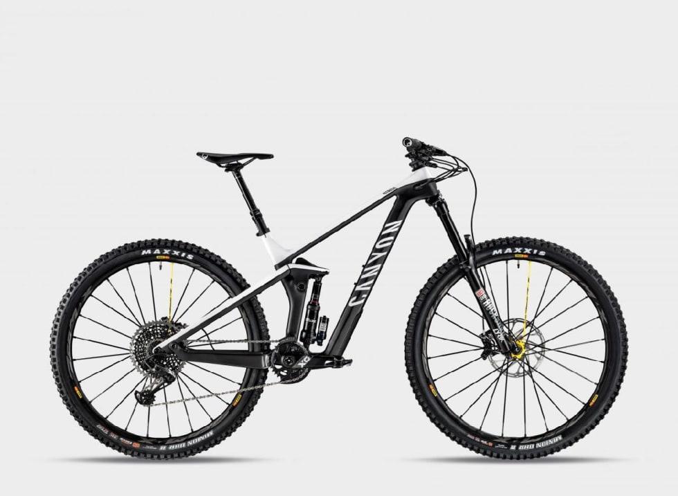 STRIVE TEAM: Den nest dyreste sykkelen i linja kommer med Rockshox-dempere og X01-drivverk.