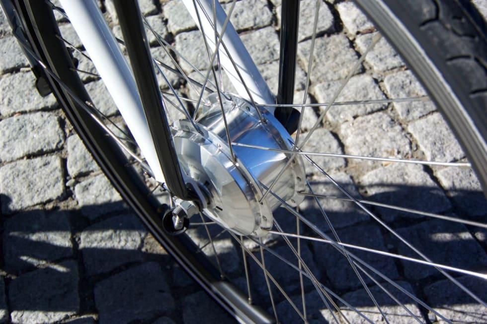 FORHJULSTREKK: Med motoren i forhjulet er det litt mindre kraft i bakkene enn med krank- og bakhjulsmotor