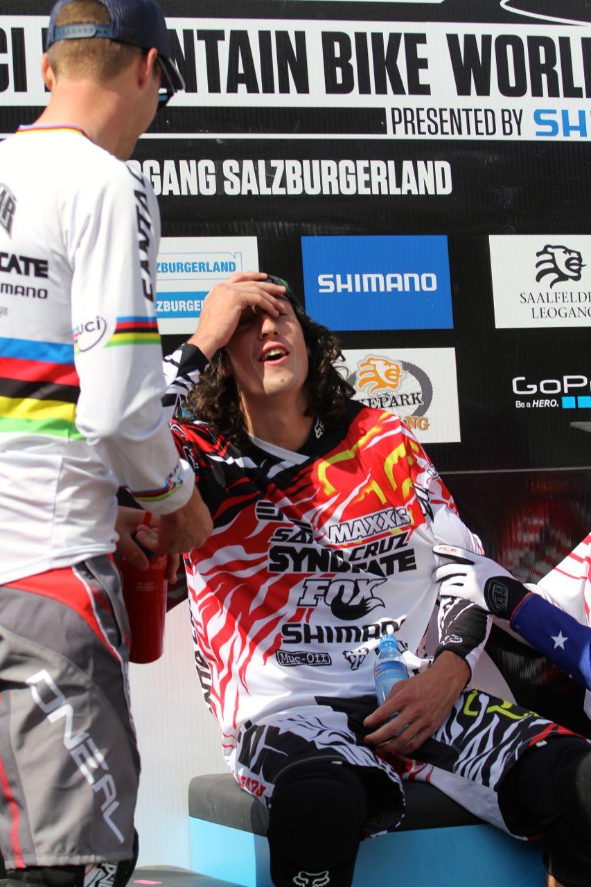 DOBBELTSEIER: I Leogang tok Josh Bryceland karrierens andre verdenscupseier. Greg Minnaar kom på andre. Foto: Sven Martin