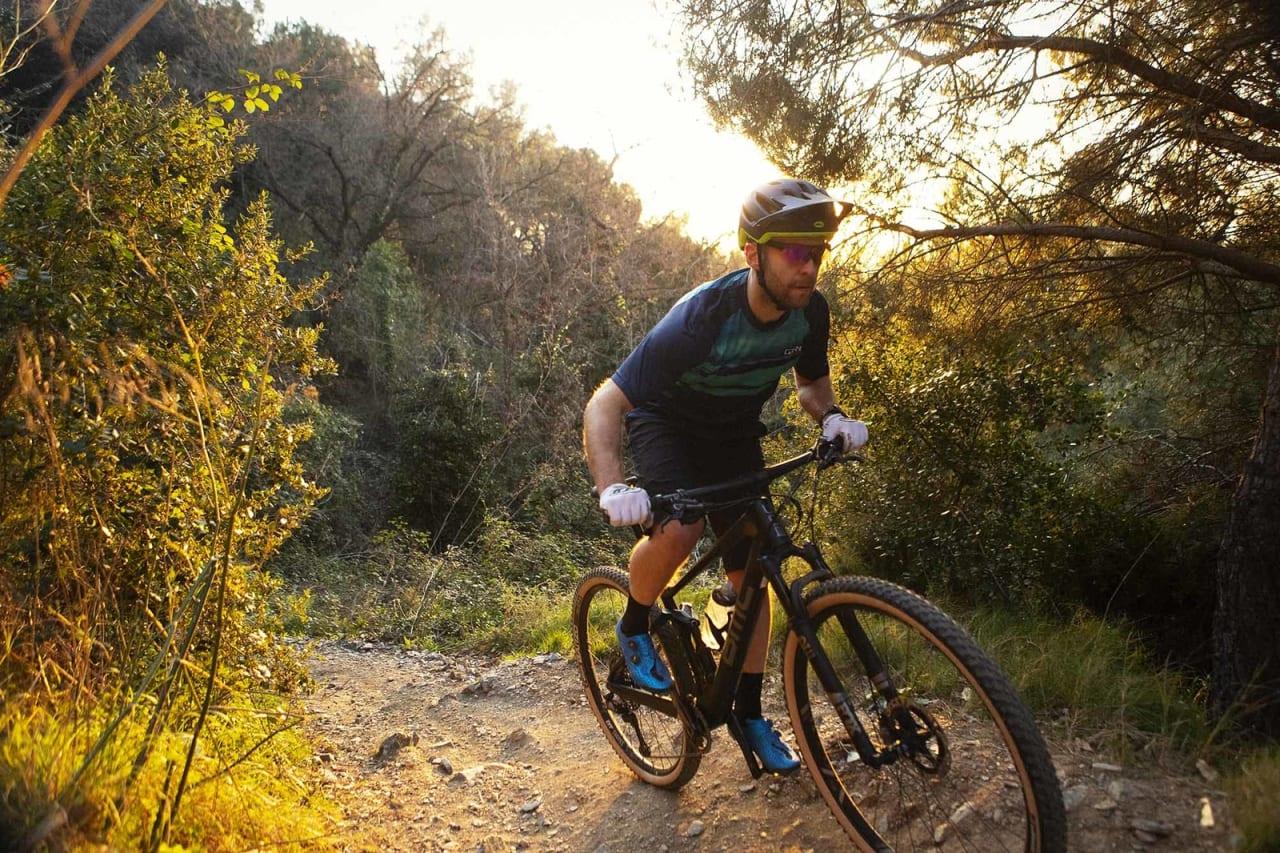 STIRAKETT: BMC Fourstroke er en rittsykkel med stigeometri. Det fungerer både oppover og nedover.