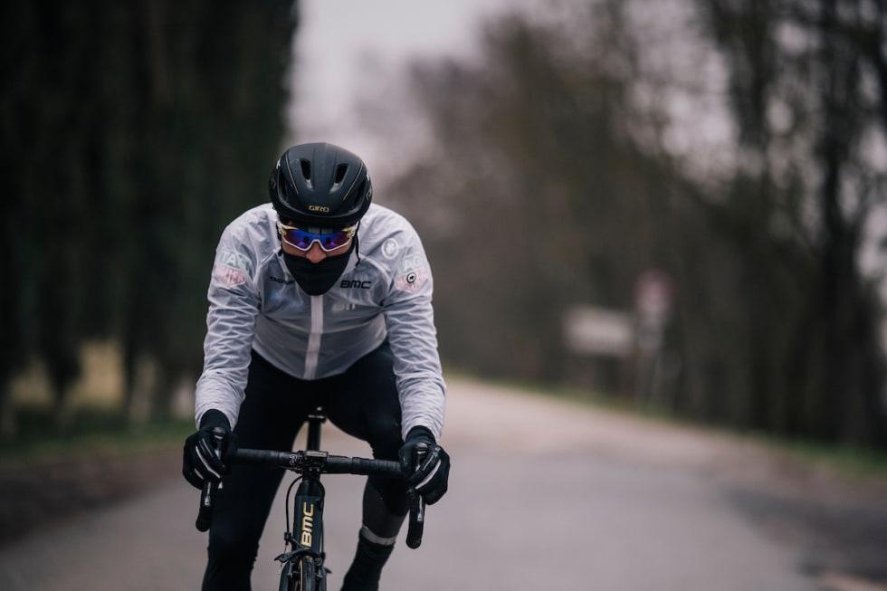 TØRR OG FIN: Greg van Avermaet under rekognoseringen til Strade Bianche. Illustrasjonsfoto: Kristof Ramon.