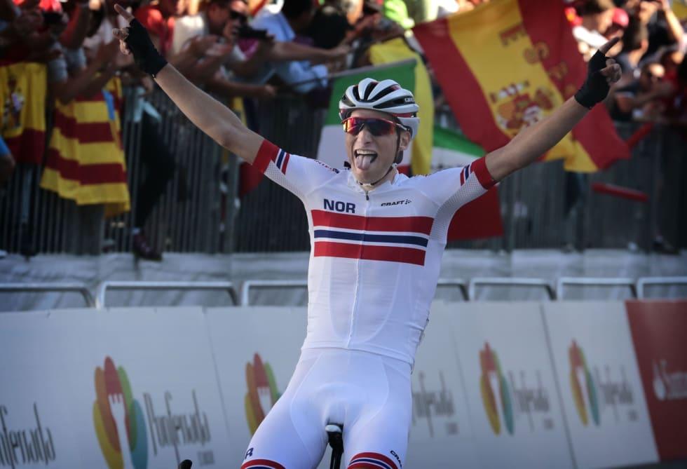UFORGLEMMELIG: Sven Erik ble verdensmester i U23-klassen i 2014, hans foreløpig siste seier. Foto: Cor Vos.