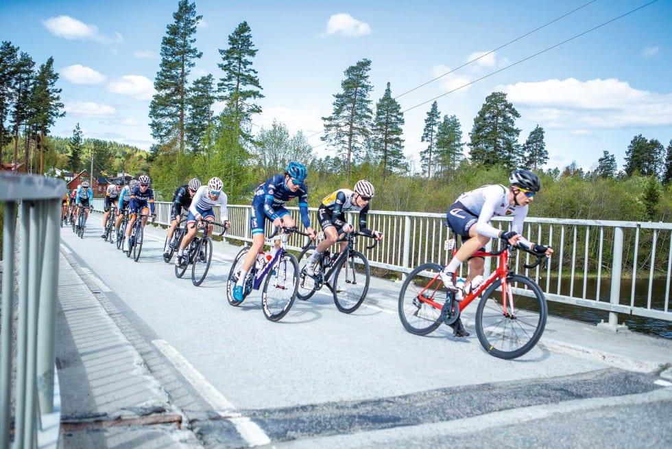 UTROLIG, MEN SANT: Magnus greide å knipe seg med i bruddet i Ringerike GP. Opplevelsen var like hard som den var kort, og gjorde det umulig å fullføre. Foto: Pål Westgaard.