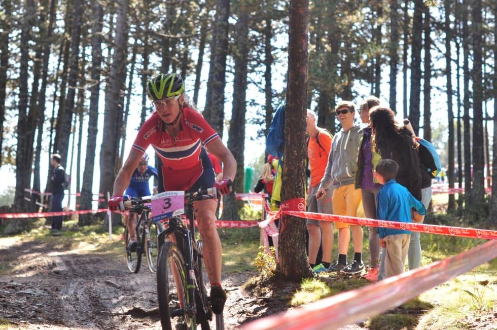 GODT SKODD: Gunn-Rita valgte grovere dekk en de fleste konkurrentene. Det fikk hun igjen for utfor.