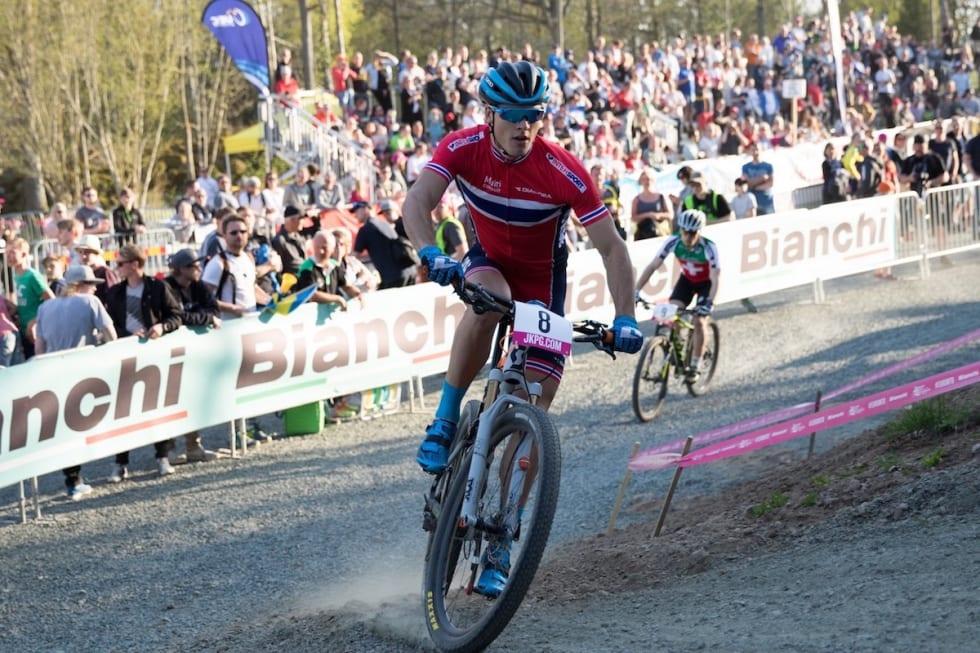 Torjus Bern Hansen EM sprint B finale - Bengt Ove Sannes 1200x800