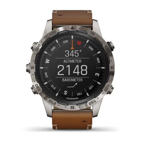 TURKLOKKE: Expedition-klokka har værmelding og kompass som hjemmevindu.