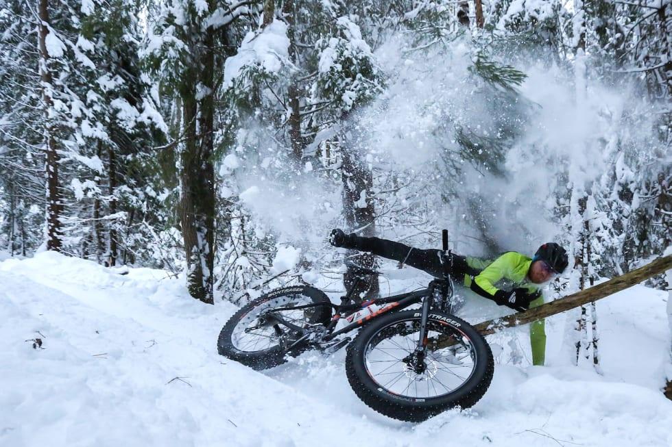 I fjor var det i overkant mye snø i løypa. Årets ritt ser ut til å få vesentlig fastere og raskere forhold. Foto: Stian Bergsveen