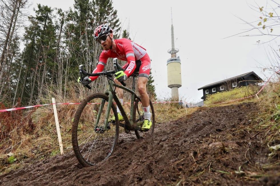Morten Vaeng - mud - Tryvannskross 2017 - Ola Morken 1400x933