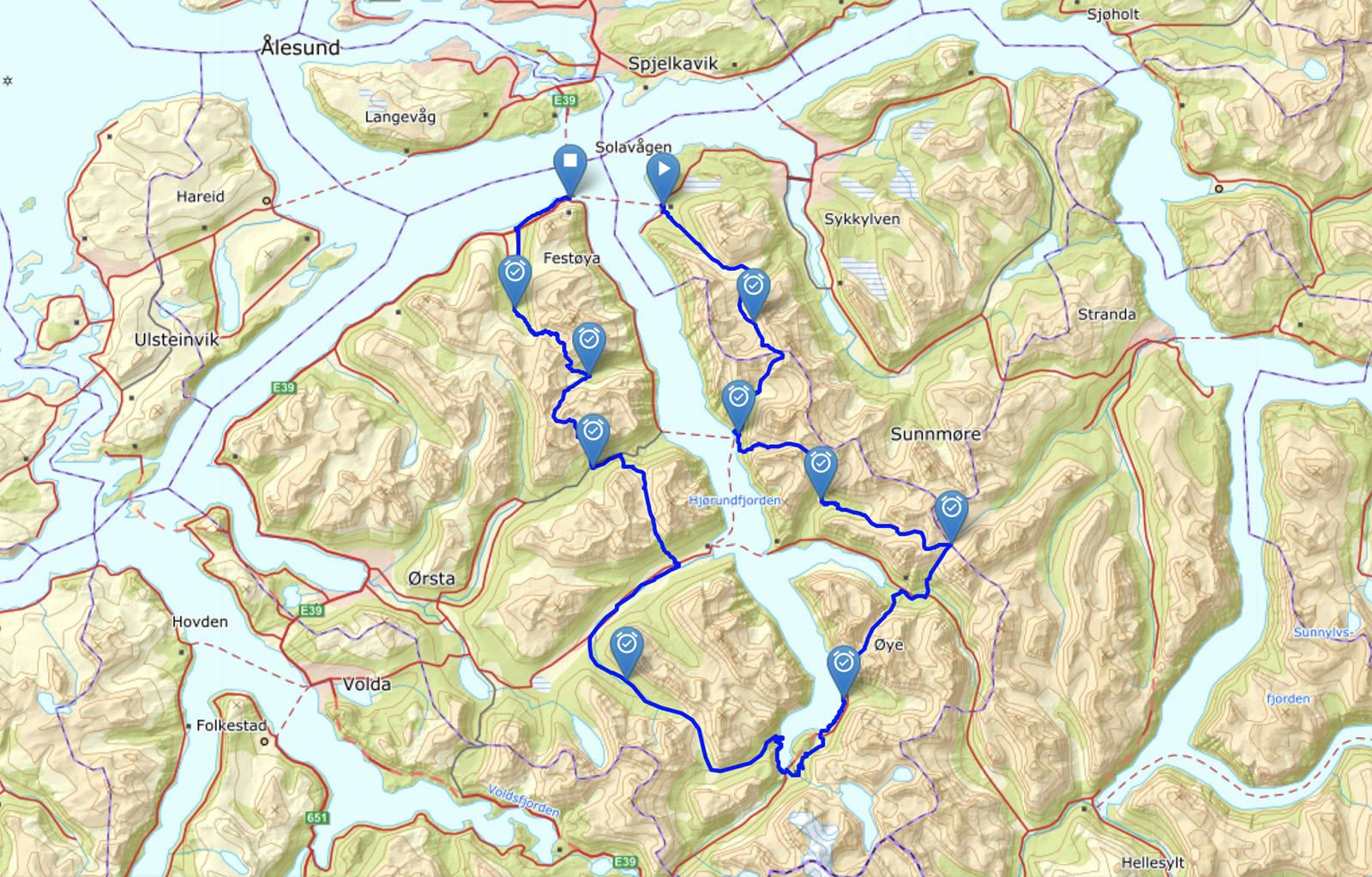Her ser du ruta de har valgt å løpe, for å få med seg så mye terreng som mulig. Kart: Kartverket