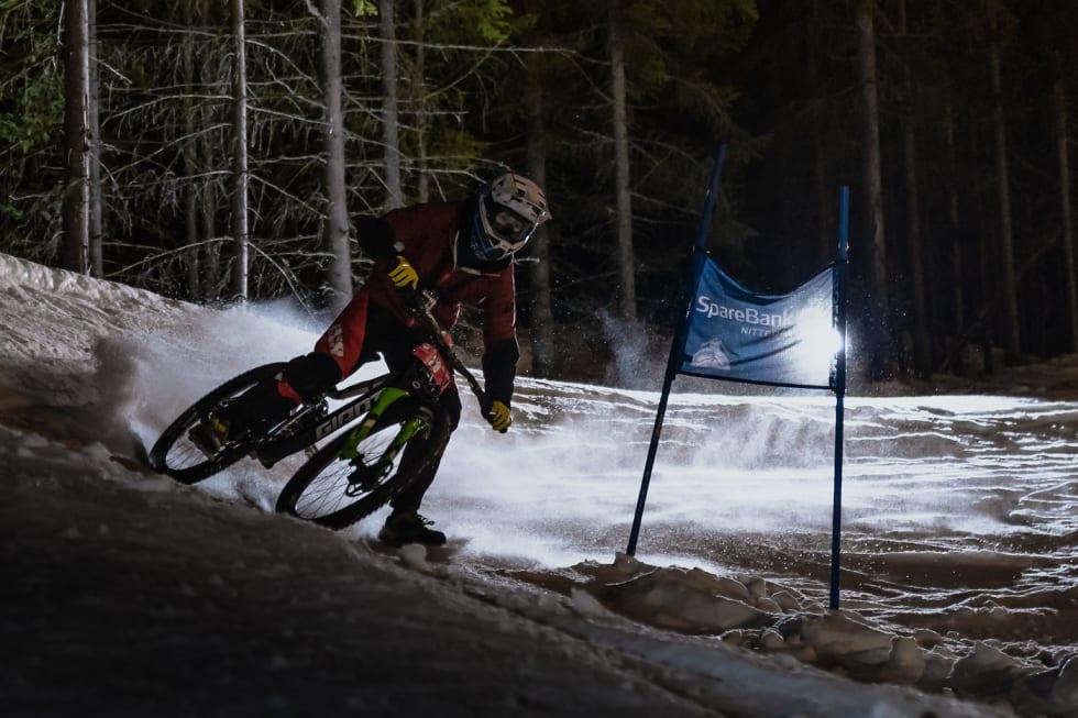 Sander Blomgren svinger seg greit rundt porten. Foto: Morten Dodson