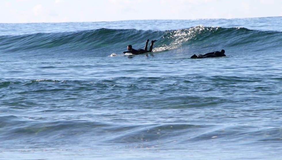 Vi har prøvet og feilet sammen. Her forsøker Thea Røhrt å fange den grønne bølgen. Foto: Audun Holmøy Røhrt