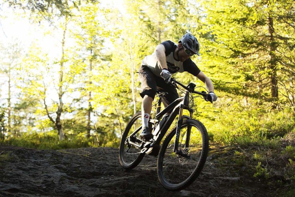 Motstanderne av elsykling på stier i Oslomarka frykter økt slitasje og flere brukerkonflikter. Foto: Kristoffer Kippernes