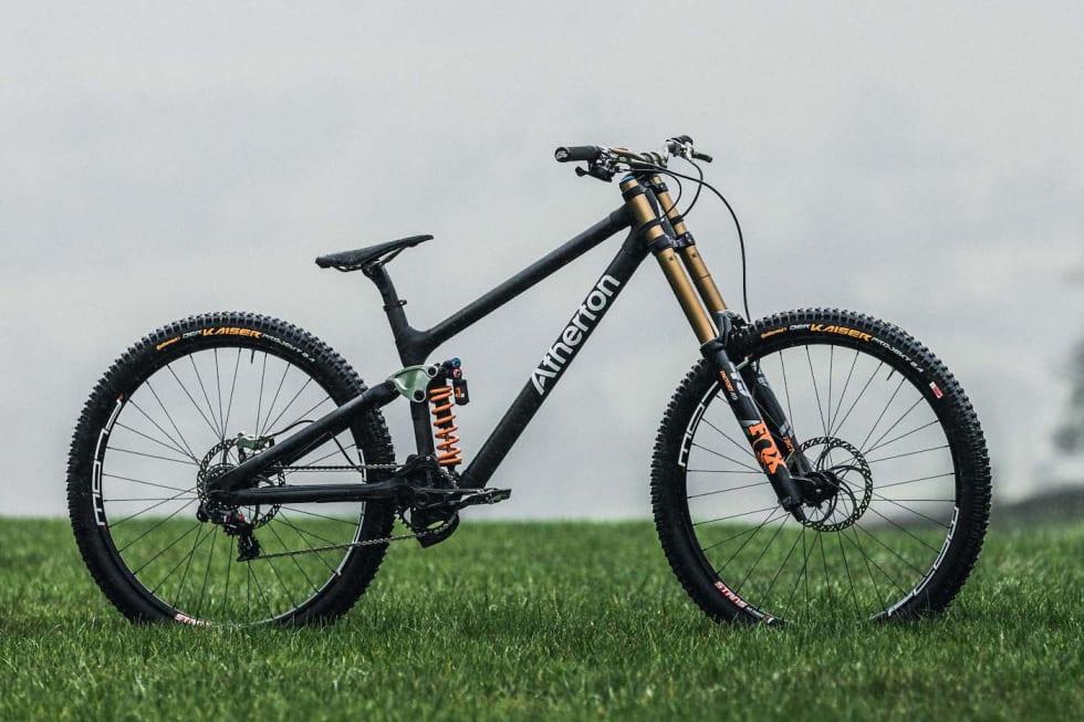 Dette er den nye utforsykkelen til Atherton Bikes. Foot: Moonhead Media