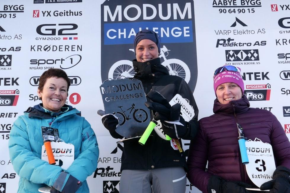 Hege Aasmundrud vant Modum Challenge foran Bente Rossing (til venstre) og Janne Skretteberg. Foto: Stian Bergsveen