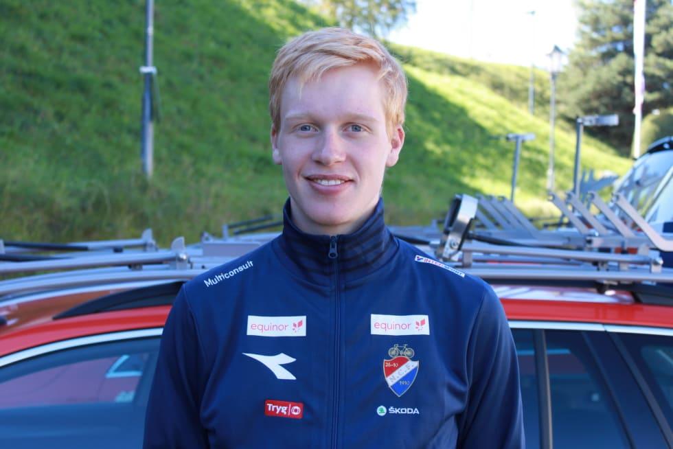 LEDET LENGE: Andreas Leknessund ledet både ved vending og i mil, men etter hvert kom det fire andre inn foran han. Foto: NCF