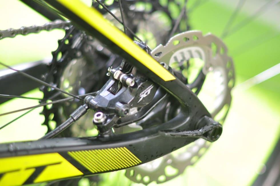 TO STEMPLER: For lette sykler, lette syklister og mindre hissig sykling kan du velge to-stempels bremser.