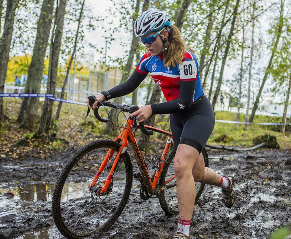 Marit Sveen - Vingerkross 2017 NC3 CX - Pål Westgaard 1200x987