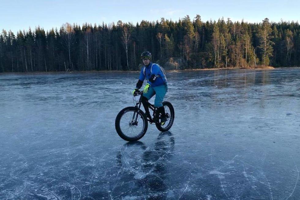 Ice - Lars Seland Rønningen 1200x800