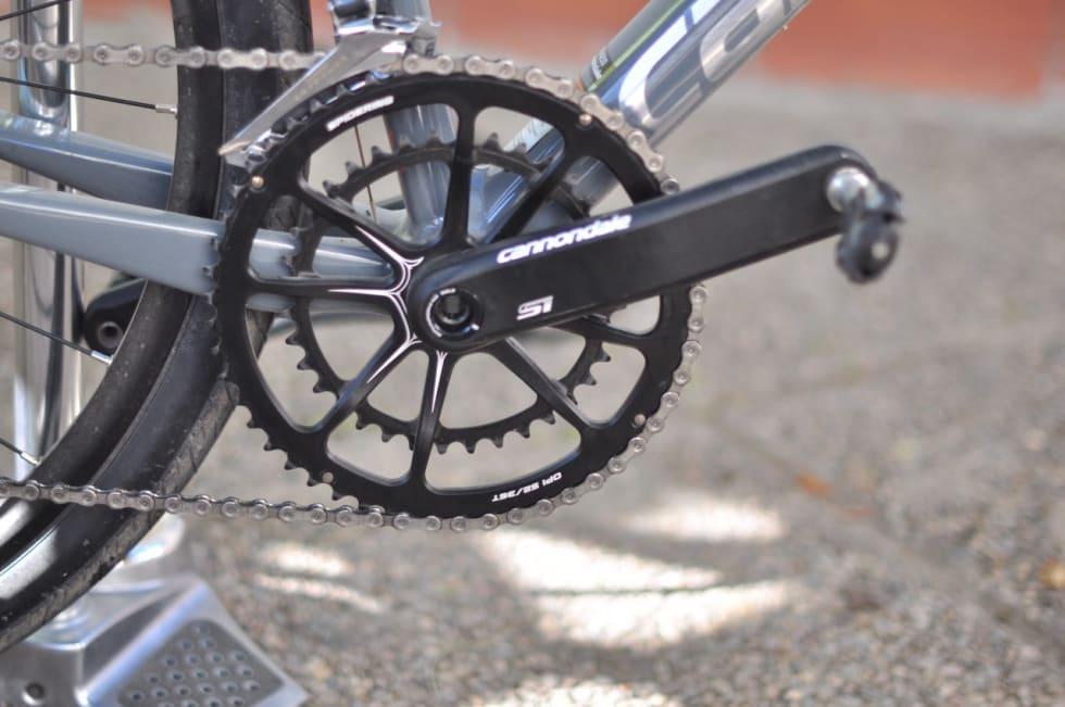 REAL: Du skal ha trøkk i pedalene for å forsere bratte grusbakker med Cannondale Slates semikompakte krank.