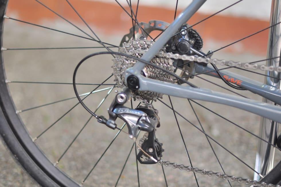 SAVE: Kjedestagene på Slate har den samme flate profilen som flere andre av Cannondales sykler. Dette for å gi litt demping. Slate føles likevel ganske hard.
