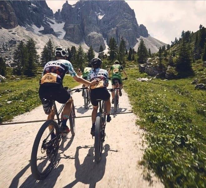 Den siste bakken på dagens 112 kilometer lange etappe ble en seig affære for noen og enhver. Foto: TransAlp