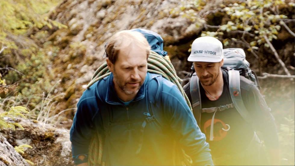 ANMARSEN: Rune Abrahamsen tar med seg Ole Kristian Strøm til buldrefeltet Ura i Hemsedal.