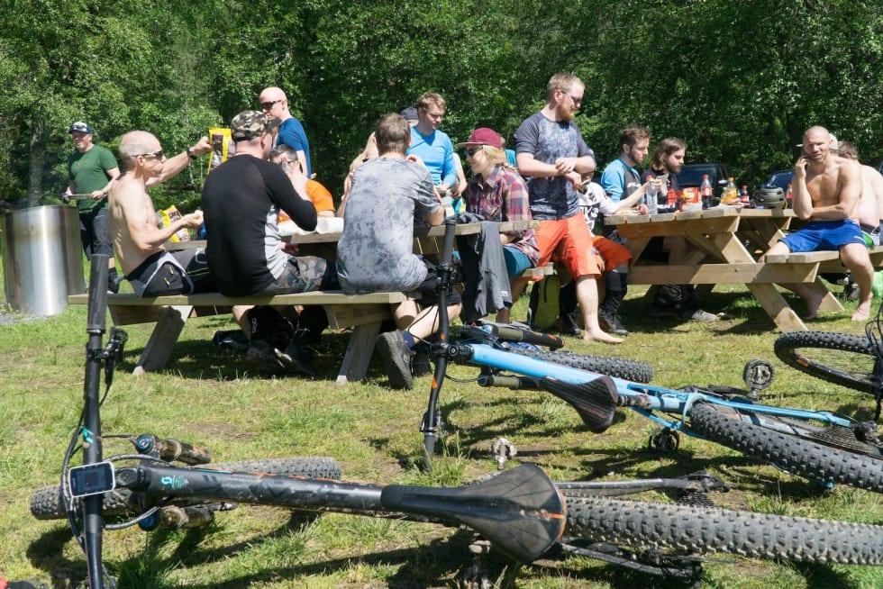 Velfortjent pause for sykler og syklister. Foto: Zoltson