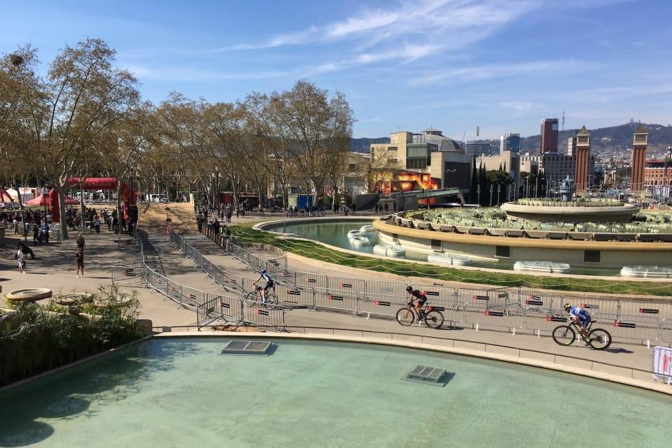 City Mountain Bike arrangerer sprinten i urbane settinger. Her fra verdenscupåpningen i Barcelona i mars. Foto: Ingeborg Scheve