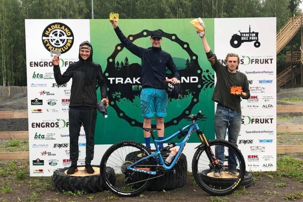 Pallen i herreklassen: Ola Jåvold Landmark vant foran Zakarias Blom Johansen mens Gard Brovold ble nummer tre. Foto: Arne Landmark