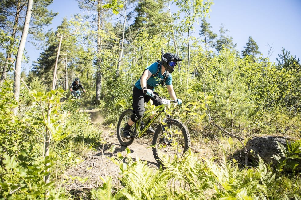 2 riders  -  - Pål Westgaard 1400x933