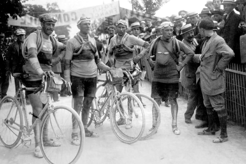 HISTORISK: Slik så det ut på Tour de France i 1919.