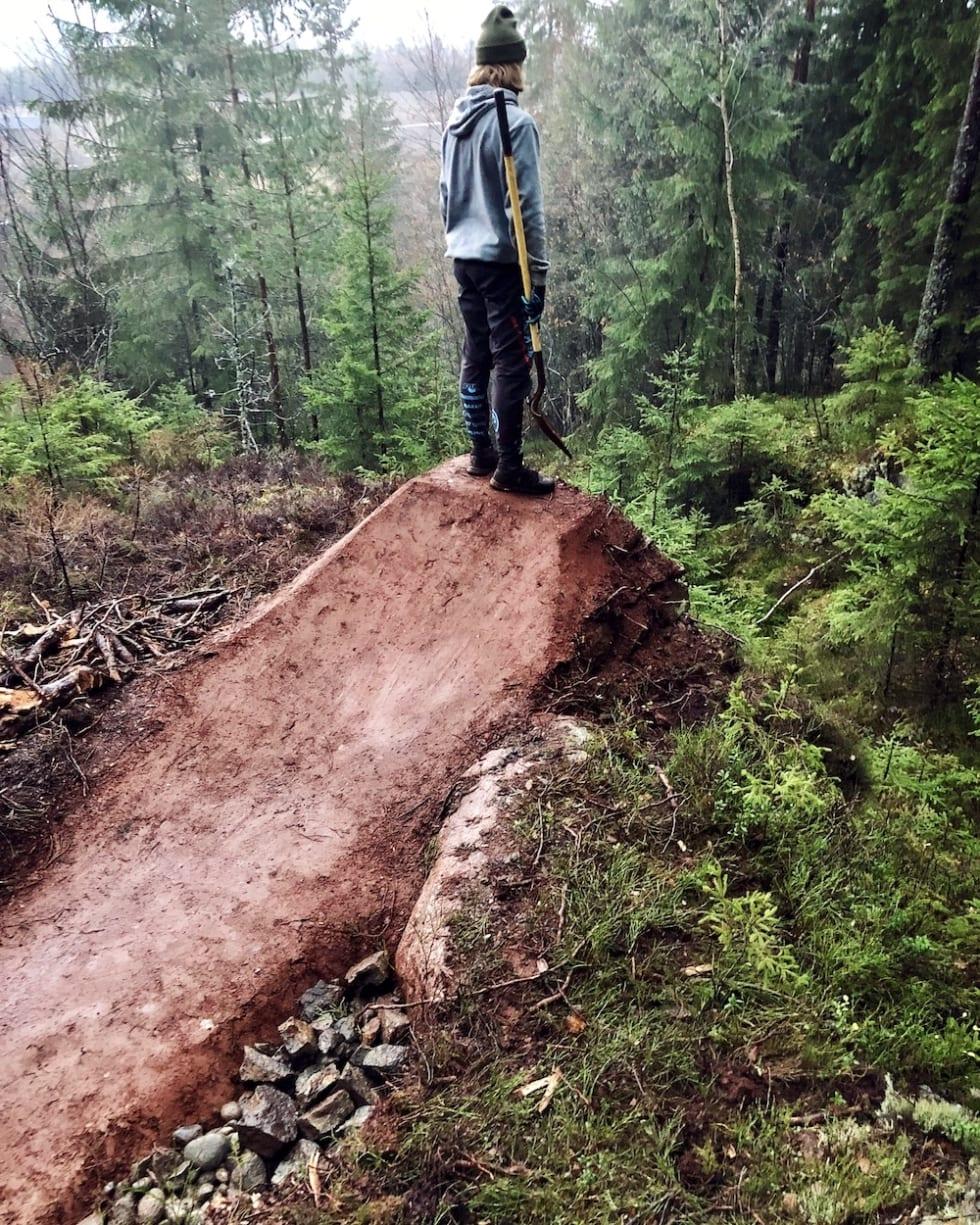 Brage Vestavik ser konstant etter nye utfordringer i skogen. Foto: Privat