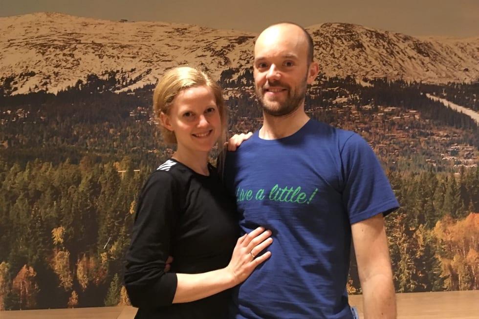 Ingrid Johnsbråten Börjars og Simon Börjars har lagt bryllupsreisen til Utflukt. Foto: Ingeborg Scheve
