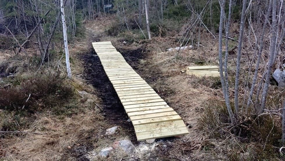 Klopping blir en viktig del av arbeidet for å gjøre Offroad Finnmark-traséen mer bærekraftig. Foto: Jostein Nymoen