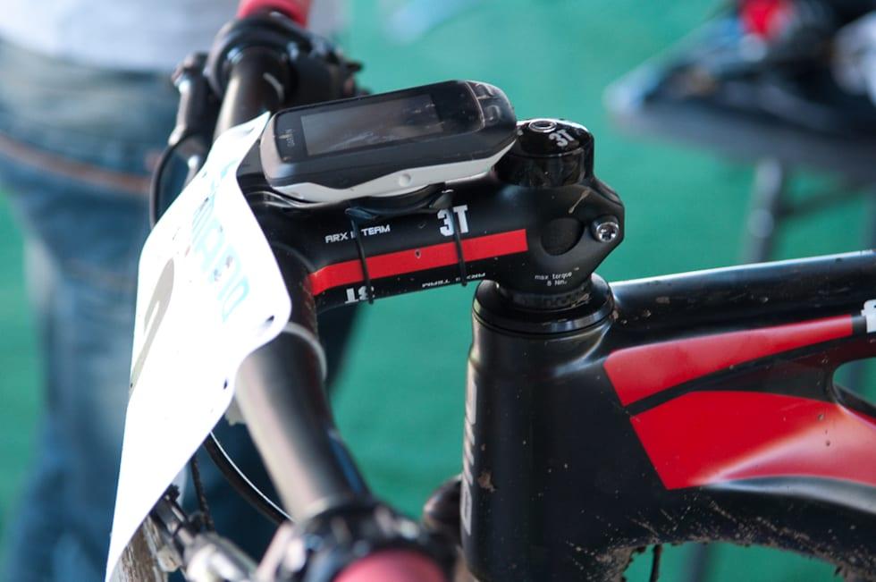 STANDARD: Sykkeloppsettet er som på halvdemperen. Bredt styre, negativ stem og Shimano XTR Di2-girsystem.