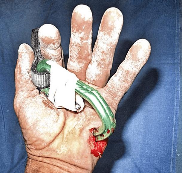 karabin spiddet hånd